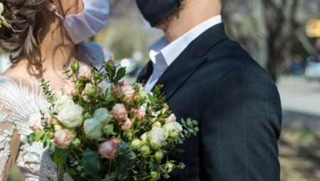 دراسة: زمن ما بعد كورونا.. زواج أقل وعزوبية أطول