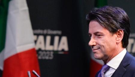 إيطاليا تعلق الرحلات الجوية مع بريطانيا