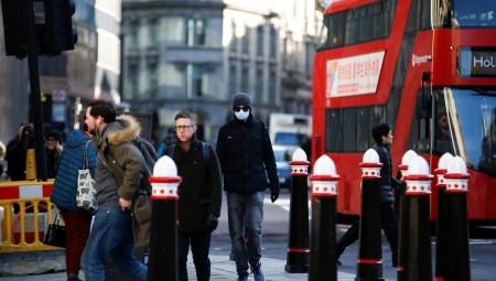 بريطانيا.. تخفيض مستوى التحذير من فيروس كورونا إلى الدرجة الثالثة