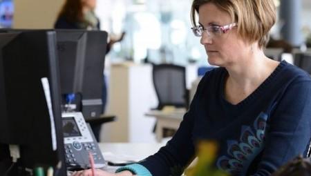 النساء البريطانيات فقدن عملهن أكثر من الرجال بسبب أزمة كورونا