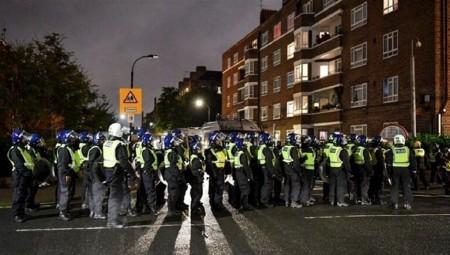 لندن.. تفريق حفل غير مرخص يؤدي إلى إصابة 7 من أفراد الشرطة
