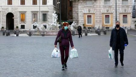إيطاليا تمدد إغلاق المتاجر والمتاحف حتى نهاية أبريل