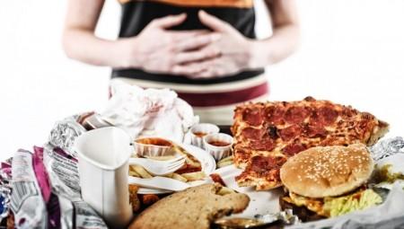 جائحة كورونا تجلب للعالم عادات غذائية سيئة جداً