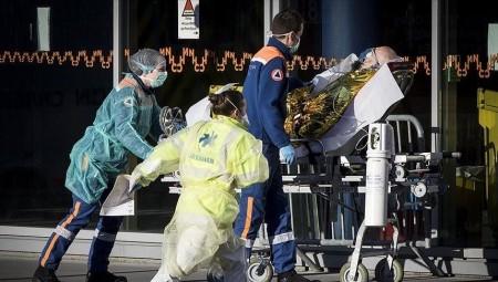 فرنسا.. أكثر من مئة ألف وفاة في فرنسا جراء كوفيد-19