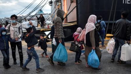 الاتحاد الأوروبي يرفض عقد اتفاقيات ثنائية مع بريطانيا لإعادة ترحيل اللاجئين إلى دوله