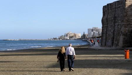 قبرص.. فرض عزل جديد بعد ارتفاع حاد في حالات كورونا