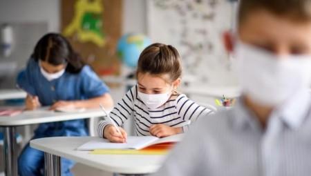 الحكومة البريطانية ستضيف نصف ساعة دراسية للطلاب يوميا