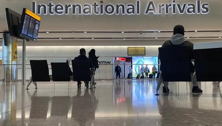 وزير النقل البريطاني: إعادة فتح السفر الدولي سيفسد تعافي البلاد من فيروس كورونا
