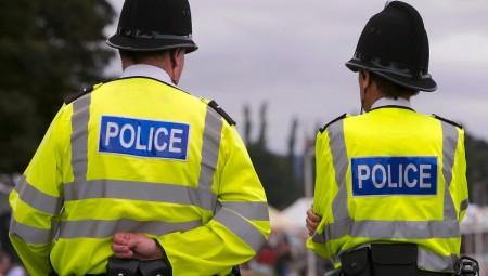 عشرة ضباط بريطانيون يخترقون قواعد كورونا قبل يومين من الفتح.. والشرطة تحقق في الحادثة