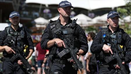 الشرطة البريطانية تخلي فندقا قريبا من مكان انعقاد قمة الدول السبع بعد تلقي بلاغ كاذب