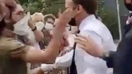 السجن  4 أشهر للشاب الذي صفع الرئيس الفرنسي على وجهه