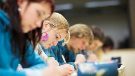 تراجع إقبال الطلاب على جامعات النخبة في بريطانيا.. والسبب الشروط الصارمة