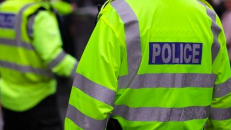 بعد 32 عاما.. الشرطة البريطانية تلقي القبض على 40 شخص بتهمة الاستغلال الجنسي بحق أطفال