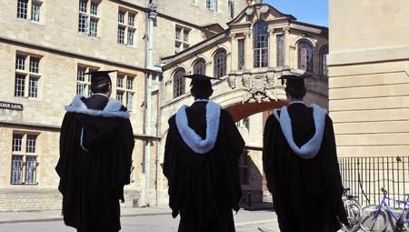 خانة البيان الشخصي في طلبات الجامعات بحاجة للإصلاح وإعادة التشكيل