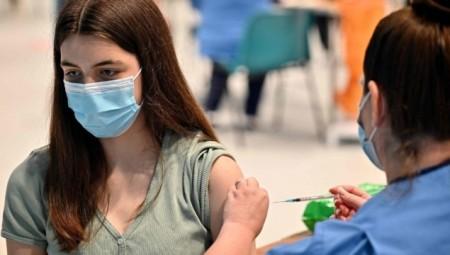 بريطانيا.. ثلثا الشباب الذين ماتوا بسبب متحور دلتا لم يتلقوا اللقاح المضاد لكورونا