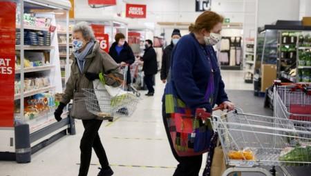 توقعات بتفاقم أزمة نقص الغذاء مع فرض الحكومة فحوصات إضافية على البضائع الأوروبية
