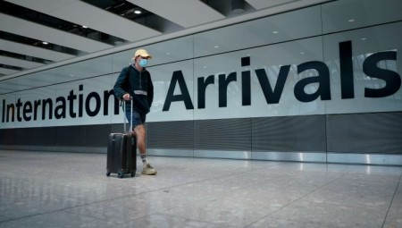 أحدث تعديلات لقواعد وقوائم السفر في بريطانيا.. تعرف عليها