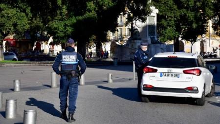 عاجل.. طعن شرطية فرنسية بالسكين في فرنسا