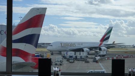بريطانيا تستعد لاستقبال المسافرين الملقحين بالكامل من الإمارات دون حجر صحي