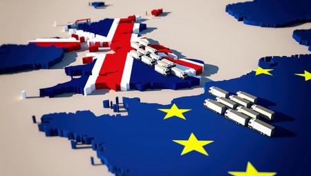 الأوروبيون يقترحون على بريطانيا ممرا سريعا لنقل البضائع إلى ايرلندا الشمالية