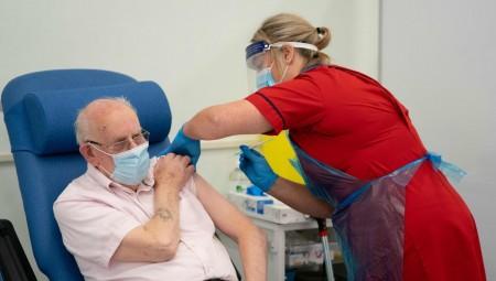 بريطانيا تقر زيادة في الأجور لكوادر الخدمات الطبية والصحية