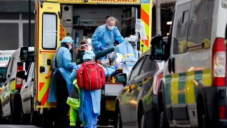 بريطانيا .. إصابات قياسية بكورونا و100 وفاة يوم الجمعة