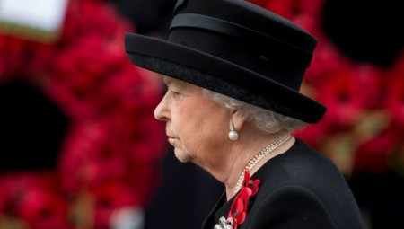 الملكة إليزابيث الثانية أمضت ليلة الأربعاء-الخميس في المستشفى
