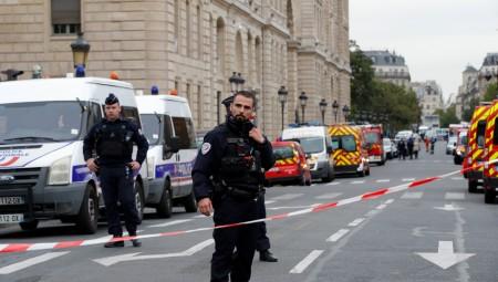 أربعة قتلى في هجوم على مركز للشرطة الفرنسية بباريس
