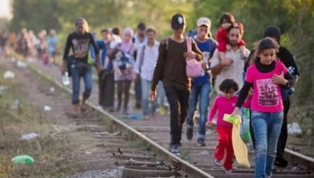 وزير الداخلية الألماني يبحث في اليونان أزمة اللاجئين