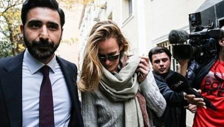تركيا تفرض حظر السفر على زوجة صاحب الخوذ البيضاء