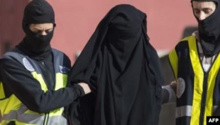إيرلندا.. اعتقال سيدة تزوجت جهاديا لدى عودتها إلى دبلن