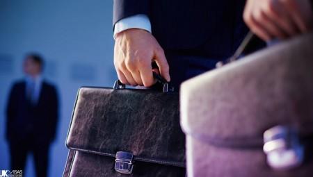 بريطانيا.. كبار المديرين يتقاضون في 3 أيام راتب عامل في سنة