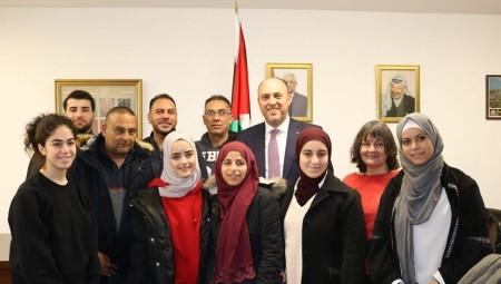 فلسطينيون في جولة لمدن بريطانيا للتحدث عن الحياة في الضفة الغربية